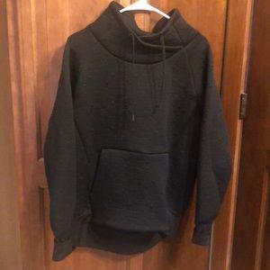 Athleta black quilted pullover